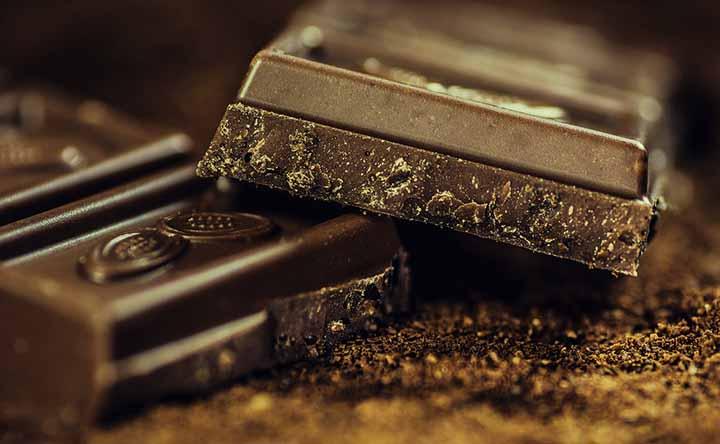 Il lato dark del cioccolato: il fondente che fa bene al cuore e al colesterolo