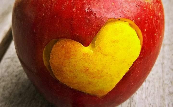 Attacchi cardiaci: le donne in menopausa hanno un rischio più basso degli uomini coetanei