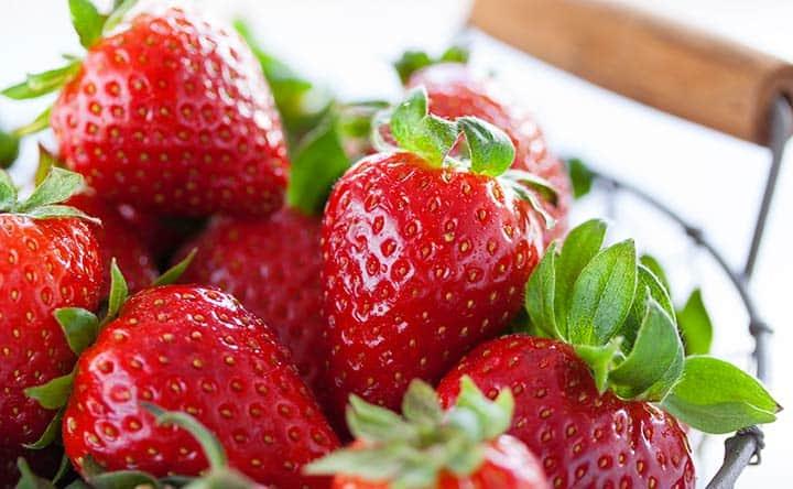 Fragole: arma contro il colesterolo cattivo