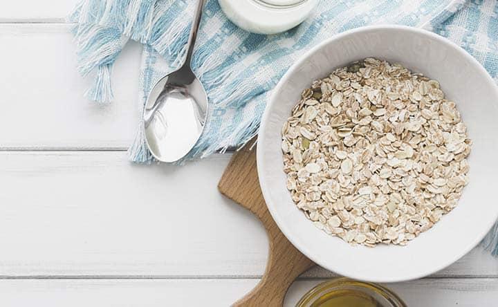 La migliore colazione: la farina d'avena riduce il colesterolo e non solo