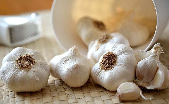 Cuore in salute con aglio e fieno greco