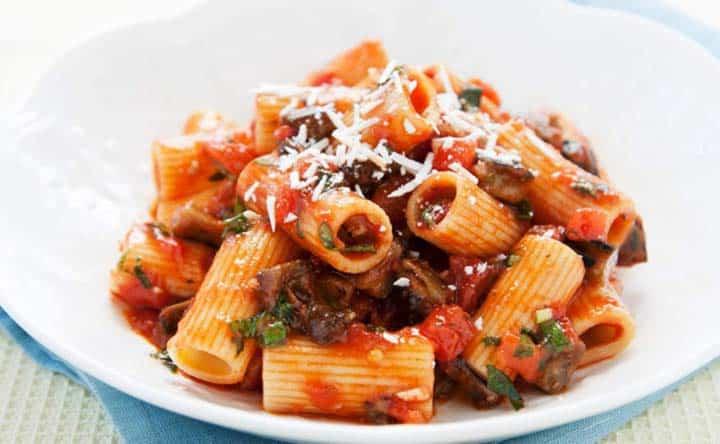 Colesterolo a tavola: combattilo con la pasta alla Norma