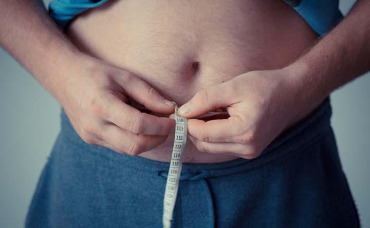 Eccesso di peso e grasso corporeo causano malattie cardiovascolari