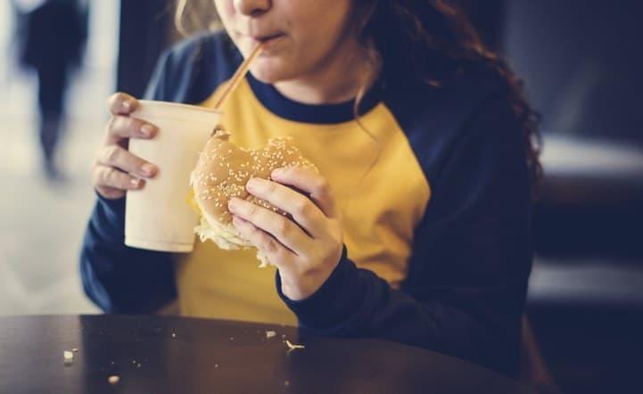 Colesterolo alto nei bambini: come ridurlo