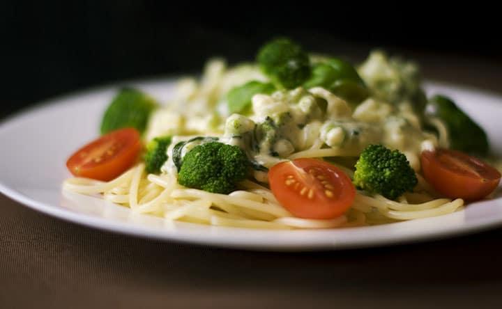 Cuore in salute con broccoli e noci